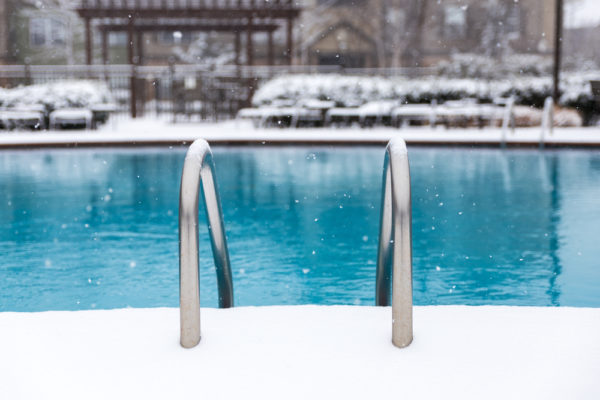 swimming pool tips for the winter - custom swimming pool builder contractor temecula